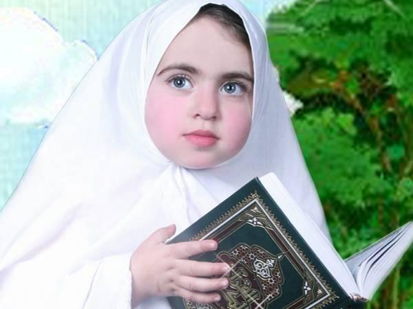 المراهقات والحجاب والزينة.. مقترحات تربوية